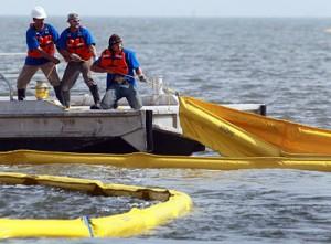 اصول اولیه پاکسازي لکه هاي نفتی در دریا